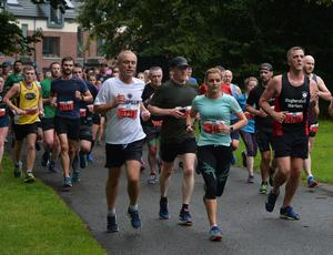 Pacemaker Press 22/9/2019 Thousands of competitors takes part in the Belfast City Half Marathon on Sunday. Pic Colm Lenaghan/Pacemaker