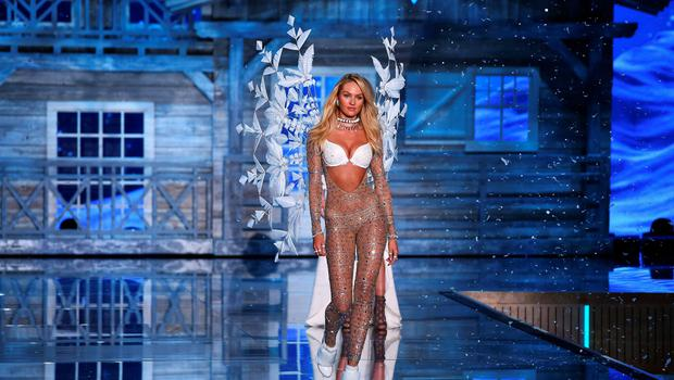 Model and Victoria's Secret Angel Candice Swanepoel from South Africa presents a creation during the 2015 Victoria's Secret Fashion Show in New York on November 10, 2015. AFP PHOTO/JEWEL SAMADJEWEL SAMAD/AFP/Getty Images