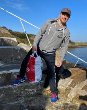 Hollywood legend Matt Damon, armed with a Supervalu bag at the 40 Foot is staying in racing tycoon Eddie Irvine's plush pad in Dalkey during the coronavirus lockdown