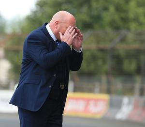 This was not in the game-plan: Ballymena's manager David Jeffrey during the defeat to Glenavon.  Photo by David Maginnis/Pacemaker Press