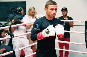 Press Eye - Belfast -  Northern Ireland - 15th July 2015 - Boxer Carl Frampton (center) is pictured during an open training session in El Paso, Texas before  defending his IBF World title against Alejandro Gonzalez Jr on Saturday evening.  Picture by Jorge Salgado / Press Eye