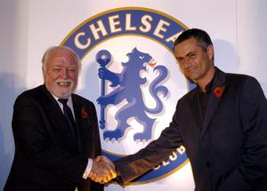 File photo dated 12/11/2004 of Veteran film maker and life-long fan Lord Attenborough with  Chelsea FC manager Jose Mourinho.  The  acclaimed actor/director died at lunchtime yesterday aged 90, his son Michael told the BBC. PRESS ASSOCIATION Photo. Issue date: Monday August 25, 2014. See PA story DEATH Attenborough. Photo credit should read: Ian Nicholson/PA Wire