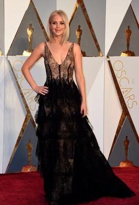 Actress Jennifer Lawrence arrives on the red carpet for the 88th Oscars on February 28, 2016 in Hollywood, California. AFP PHOTO / VALERIE MACONVALERIE MACON/AFP/Getty Images