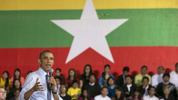 US President Barak Obama speaks to students during a Young Southeast Asian Leaders Initiative (YSEALI) Town Hall meeting on November 14, 2014 in Yangon, Burma. (Photo by Paula Bronstein/Getty Images)
