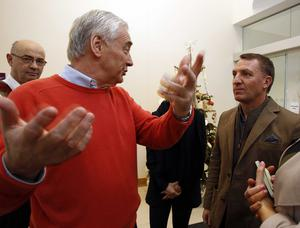Brendan Rogers during a visit to the Northern Ireland Hospice on Christmas morning.