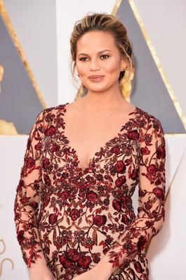 HOLLYWOOD, CA - FEBRUARY 28:  Model Chrissy Teigen attends the 88th Annual Academy Awards at Hollywood & Highland Center on February 28, 2016 in Hollywood, California.  (Photo by Jason Merritt/Getty Images)