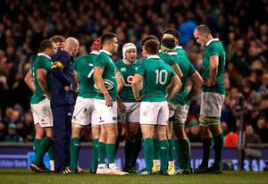 Ireland's captain Rory Best (centre) talks to his team-mates during a time out in the Autumn International match at the Aviva Stadium, Dublin. PRESS ASSOCIATION Photo. Picture date: Saturday November 26, 2016. See PA story RUGBYU Ireland. Photo credit should read: Niall Carson/PA Wire.