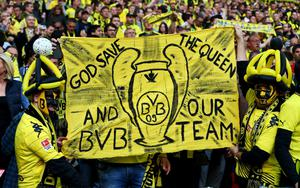LONDON, ENGLAND - MAY 25:  Borussia Dortmund fans ahead of the UEFA Champions League final match between Borussia Dortmund and FC Bayern Muenchen at Wembley Stadium on May 25, 2013 in London, United Kingdom.  (Photo by Alex Grimm/Getty Images)