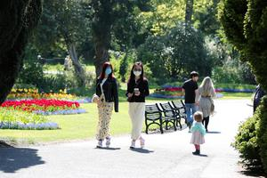 General view of members of the public enjoying their daily exercise in Botanic Gardens, Belfast on Wednesday afternoon. Photo by Kelvin Boyes / Press Eye.