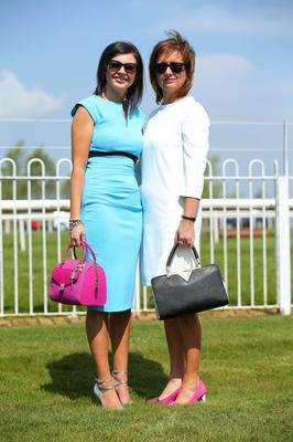 Press Eye - Belfast - Northern Ireland 1st May 2017 - Photo by Kelvin Boyes / Press Eye. Karen and Sarah Smyth pictured at the Daily Mirror May Day Meeting at Down Royal Racecourse