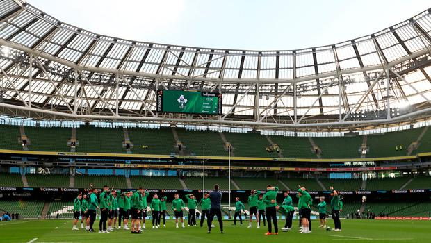 The Ireland squad have a light workout upon arrival at the Aviva Stadium