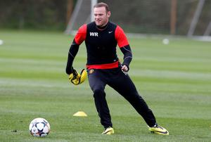 David Moyes insists it would be pure madness to leave Wayne Rooney out of Manchester United's decisive Champions League clash against Bayern Munich on Wednesday