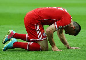 LONDON, ENGLAND - MAY 25:  Franck Ribery of Bayern Muenchen reacts during the UEFA Champions League final match between Borussia Dortmund and FC Bayern Muenchen at Wembley Stadium on May 25, 2013 in London, United Kingdom.  (Photo by Alex Grimm/Getty Images)