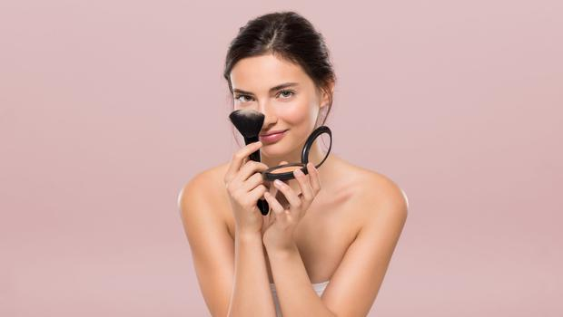 Top tips on how to choose a pressed powder