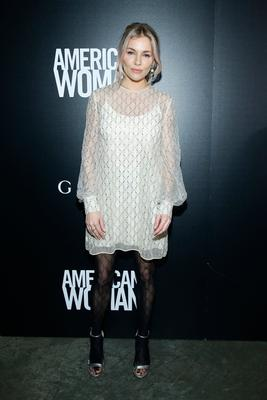 "NEW YORK, NEW YORK - DECEMBER 12: Sienna Miller attends the screening of ""American Woman"" at Metrograph on December 12, 2019 in New York City. (Photo by John Lamparski/Getty Images)"