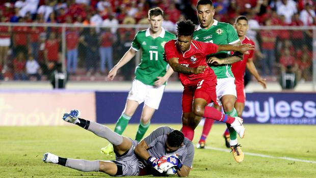 Press Eye - Belfast -  Northern Ireland - 29th May 2018 - Photo by William Cherry/Presseye  Panama's Jose Calderon and Luis Ovalle with Northern Ireland's Josh Magennis during Wednesday nights International Friendly at the Estadio Rommel Fernandez, Panama City.