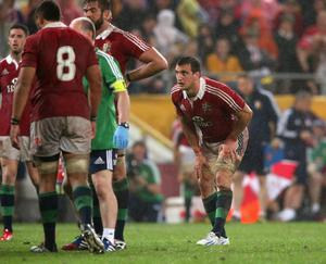 BRISBANE, AUSTRALIA - JUNE 08:  Sam Warburton, the Lions captain stretches his legs just before being replaced during the match between the Queensland Reds and the British & Irish Lions at Suncorp Stadium on June 8, 2013 in Brisbane, Australia.  (Photo by David Rogers/Getty Images)