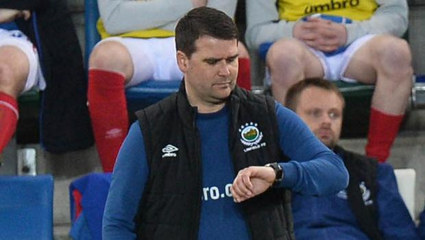 Linfield boss David Healy checks his watch as time ran out on his side's quest for European football last night.