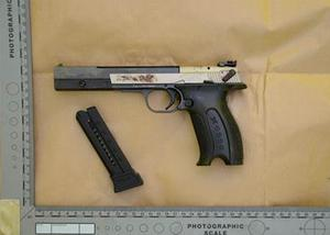 Gun recovered by the PSNI (Handout/PA)