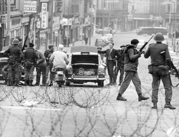 Riots : Belfast. October 1969.  Troops stop and search cars at Peter's Hill.  (11/10/69)