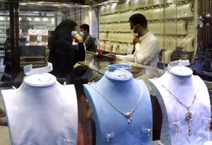 Jewels at the gold market (Amr Nabil/AP)