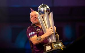 Peter Wright with the world trophy