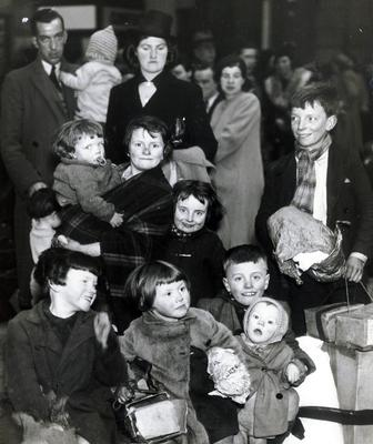 WORLD WAR II: BELFAST AIR RAIDS. CHILDREN EVACUATED. April/May 1941. Children being evacuated at the railway station. AR 61.