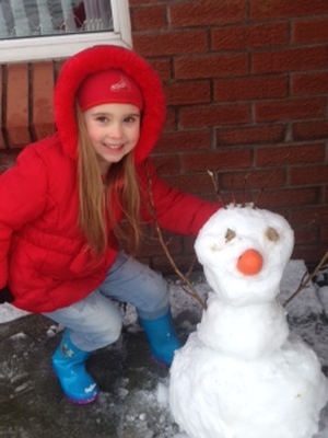 Five-year-old Jasmine with her Olaf snowman in Belfast. Pic Maggie Parker (29/01/2015)