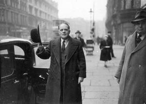 BBC's Radio entertainer, Mr Gillie Potter, pictured here in Belfast. 17/2/1948