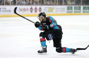 8  October 2016 - Picture by Darren Kidd / Press Eye.      Challenge Cup: Stena Line Belfast Giants v Braehead Clan at the SSE Arena Belfast.  Belfast Giant Chris Higgins scores against Braehead during Saturday nights Challenge Cup game at the SSE Arena, Belfast.