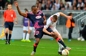 Liverpool's midfielder Jordan Rossiter (R) vies with Bordeaux's French midfielder Nicolas Maurice-Belay (L) during the UEFA Europa League Group B football match Bordeaux vs Liverpool on September 17, 2015 at the Matmut Atlantique stadium in Bordeaux. AFP PHOTO / NICOLAS TUCATNICOLAS TUCAT/AFP/Getty Images