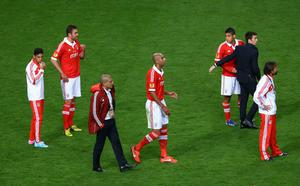 AMSTERDAM, NETHERLANDS - MAY 15:  Dejected Benfica players look on after the UEFA Europa League Final between SL Benfica and Chelsea FC at Amsterdam Arena on May 15, 2013 in Amsterdam, Netherlands.  (Photo by Christof Koepsel/Getty Images)