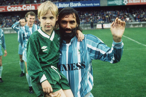 AUGUST 1988 - GEORGE BEST & SON CALUM TESTIMONIAL AT WINDSOR PARK
