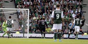 Celtic's Gary Hooper scores his second goal during the William Hill Scottish Cup Final at Hampden Park, Glasgow. PRESS ASSOCIATION Photo. Picture date: Sunday May 26, 2013. See PA story SOCCER Scottish Cup. Photo credit should read: Danny Lawson/PA Wire. EDITORIAL USE ONLY.