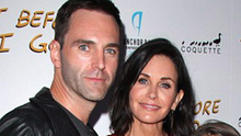Sunday Life News  Courteney Cox with her daughter Coco and Johnny McDaid