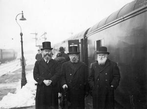 Rabbi Jacob Shachter, Rabbi Belfast, Rabbi Dr I. Herzog, Chief Rabbi elect of the Holy Land, and Mr J Hurwitz at Belfast railway station.  15/3/1937