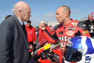 immy Walker talks to Keith Amor after he won the Enkalon Trophy at Bishopscourt, Co. Down in 2009