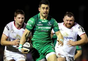 Ulster's Iain Henderson and Andy Warwick chase down Connacht full-back Tiernan O'Halloran (INPHO/Ryan Byrne)