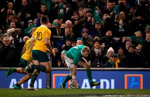 Ireland's Keith Earls scores a try during the Autumn International match at the Aviva Stadium, Dublin. PRESS ASSOCIATION Photo. Picture date: Saturday November 26, 2016. See PA story RUGBYU Ireland. Photo credit should read: Niall Carson/PA Wire. RESTRICTIONS: Editorial use only, No commercial use without prior permission