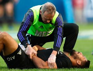CHICAGO, IL - NOVEMBER 05:  The injured George Moala of New Zealand receives treatment during the international match between Ireland and New Zealand at Soldier Field on November 5, 2016 in Chicago, United States.  (Photo by Phil Walter/Getty Images)