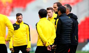 LIVERPOOL, ENGLAND - APRIL 13:  Thomas Tuchel, Head Coach of Borussia Dortmund talks to his players during a training session ahead of the UEFA Europa League quarter final between Liverpool and Borussia Dortmund at Anfield on April 13, 2016 in Liverpool, United Kingdom.  (Photo by Clive Brunskill/Getty Images)