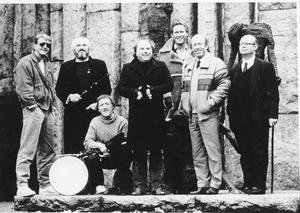 Van (centre) with the Chieftains.