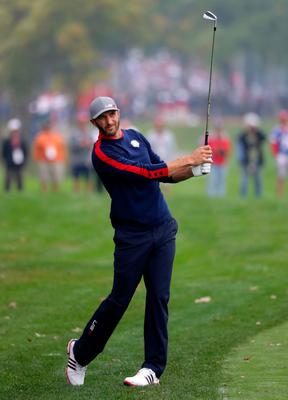 CHASKA, MN - SEPTEMBER 30: Dustin Johnson of the United States plays a shot on the sixth hole during morning foursome matches of the 2016 Ryder Cup at Hazeltine National Golf Club on September 30, 2016 in Chaska, Minnesota.  (Photo by Streeter Lecka/Getty Images)