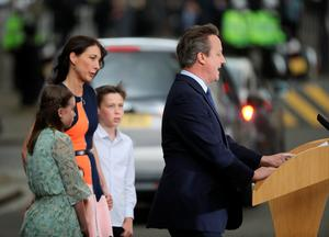 LONDON, ENGLAND - JULY 13:  Prime Minister David Cameron with his wife Samantha Cameron and family speaks to press before leaving 10 Downing Street to visit Queen Elizabeth II at Buckingham Palace to formally resign as Prime Minister on July 13, 2016 in London, England. David Cameron leaves Downing Street today having been Prime Minister of the United Kingdom since May 2010 and Leader of the Conservative Party since December 2005. He is succeeded by former Home Secretary Theresa May and will remain as Member of Parliament for Witney in Oxfordshire.  (Photo by Christopher Furlong/Getty Images)