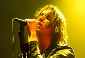 . The Strokes playing at the Ulster Hall, on Tuesday 21st February 2006. ALL USES MUST BE CREDITED JESSICA HOMER PHOTOGRAPHY- 07799 062697.