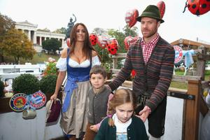 MUNICH, GERMANY - OCTOBER 05:  Xabi Alonso  attends with his wife Nagore Aramburu the Oktoberfest beer festival at Kaefer Wiesnschaenke tent at Theresienwiese on October 5, 2014 in Munich, Germany.  (Photo by Alexander Hassenstein/Bongarts/Getty Images)
