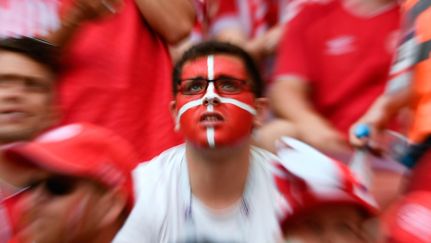 TOPSHOT - Denmark fans await the Russia 2018 World Cup Group C football match between Denmark and France at the Luzhniki Stadium in Moscow on June 26, 2018.