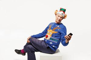 Jon Snow getting in to the festive spirit for Save the Children pic. Twitter