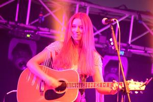 Una Healy on the first day of the Harvest Country Music Festival. Chris Armstrong