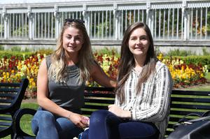 Press Eye - Weather Pictures - 7th May 2017 Photograph By Declan Roughan  (L-R) Sarah McGarry from Belfast and Catherine laverty from Birmingham enjoy the sunshine in Botanic Gardens.